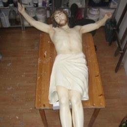 Neds 2010 - Jesus statue in studio