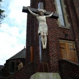 Neds 2010 - Jesus statue on location